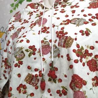 ピンクハウス(PINK HOUSE)の美品 あみぐるみ苺 イチゴ フード付き パーカー 長袖(パーカー)
