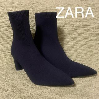 ザラ(ZARA)のファブリックヒールショートブーツ(ブーツ)