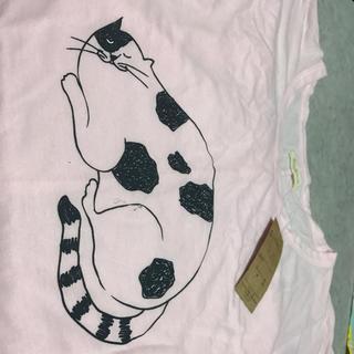 猫柄の薄いピンクのティーシャツ(Tシャツ(半袖/袖なし))