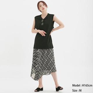 ジーユー(GU)の◆チェックプリントプリーツミディスカート GU ジーユー 黒(ロングスカート)