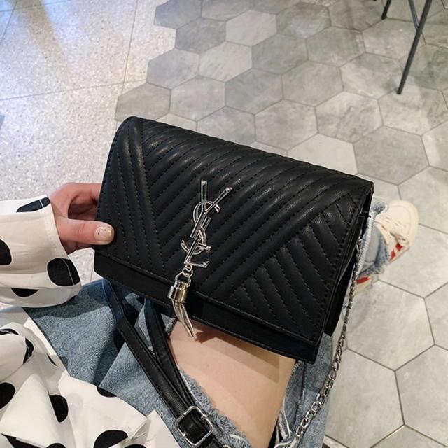 Saint Laurent(サンローラン)のショルダーバッグ レディースのバッグ(ショルダーバッグ)の商品写真