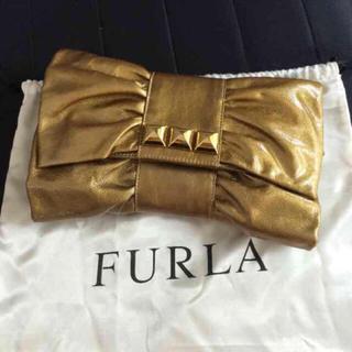 Furla - FURLA クラッチバッグ ゴールド