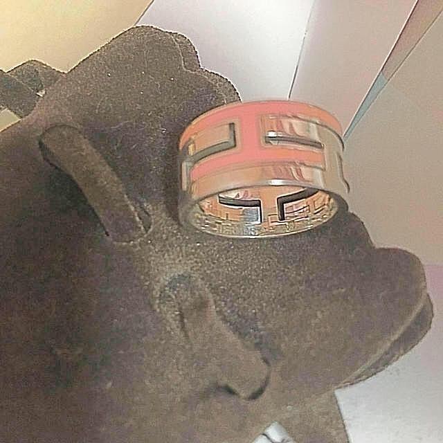 Hermes(エルメス)のエルメス ムーブアッシュ 52 11号 珍しいピンク 限定カラー シルバーリング レディースのアクセサリー(リング(指輪))の商品写真
