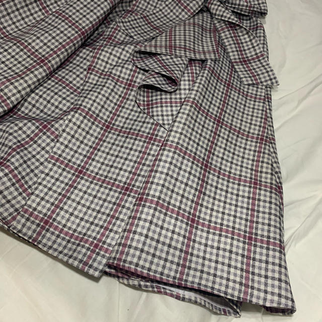 Rirandture(リランドチュール)の本物リランドチュール チェック スカート こじはる 着用 レディースのスカート(ひざ丈スカート)の商品写真
