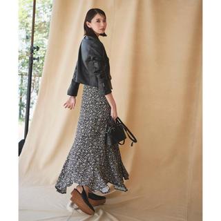 ココディール(COCO DEAL)のエスカルゴフラワープリントスカート 新品未使用(ロングスカート)