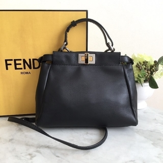 FENDI - FENDI ミニ ピーカブー 黒 2way ショルダーバッグ フェンディ
