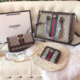 Gucci - 手提げ袋クロスポデ 財布