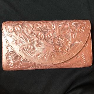 グレースコンチネンタル(GRACE CONTINENTAL)のカービングトライブス  ウォレット ピンクゴールド(財布)