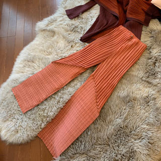 PLEATS PLEASE ISSEY MIYAKE - ② イッセイミヤケ 燻んだオレンジ色のお洒落パンツ