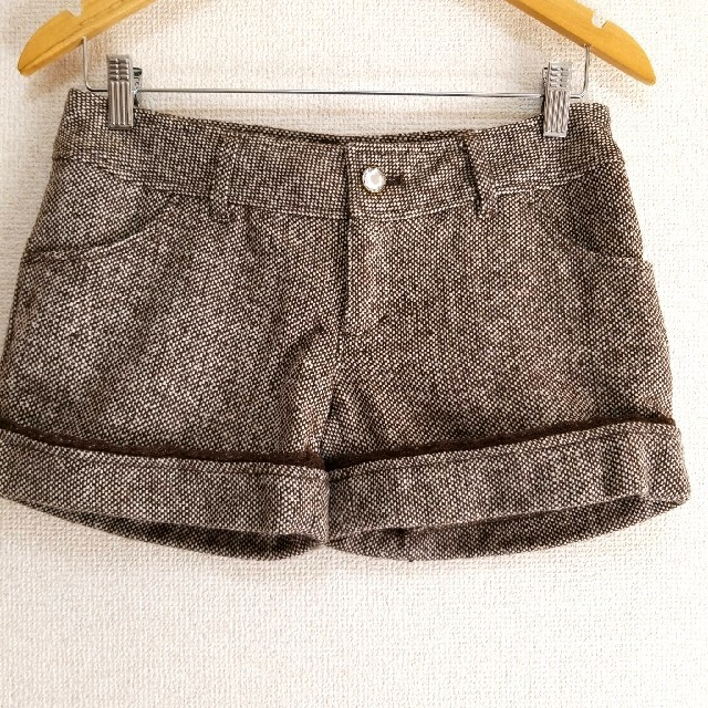 LIZ LISA(リズリサ)のリズリサ ビジューつき ダークブラウン ウール混 ツイード ショートパンツ レディースのパンツ(ショートパンツ)の商品写真