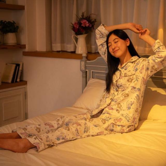 ダッフィーのスウィート・ドリームス パジャマ Mサイズ レディースのルームウェア/パジャマ(パジャマ)の商品写真