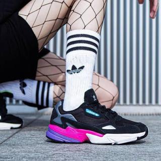 アディダス(adidas)のアディダス ファルコン 23.5cm(スニーカー)