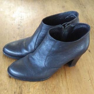 シップス(SHIPS)の【SHIPS】牛革ショートブーツ  黒(ブーツ)
