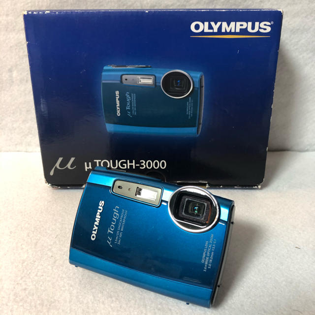 OLYMPUS(オリンパス)の【付属品完備】OLYMPUS デジタルカメラ μ TOUGH-3000  スマホ/家電/カメラのカメラ(コンパクトデジタルカメラ)の商品写真