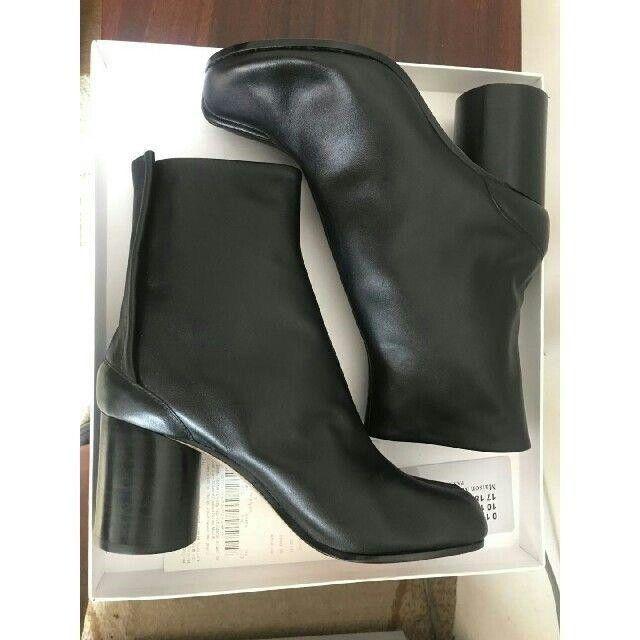 Maison Martin Margiela(マルタンマルジェラ)のMaison Margiela マルジェラ 足袋 シルバー タビブーツ レディースの靴/シューズ(ブーツ)の商品写真
