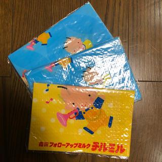 モリナガニュウギョウ(森永乳業)の森永 はぐくみ レジャーシート3枚 ☆ 新品(その他)