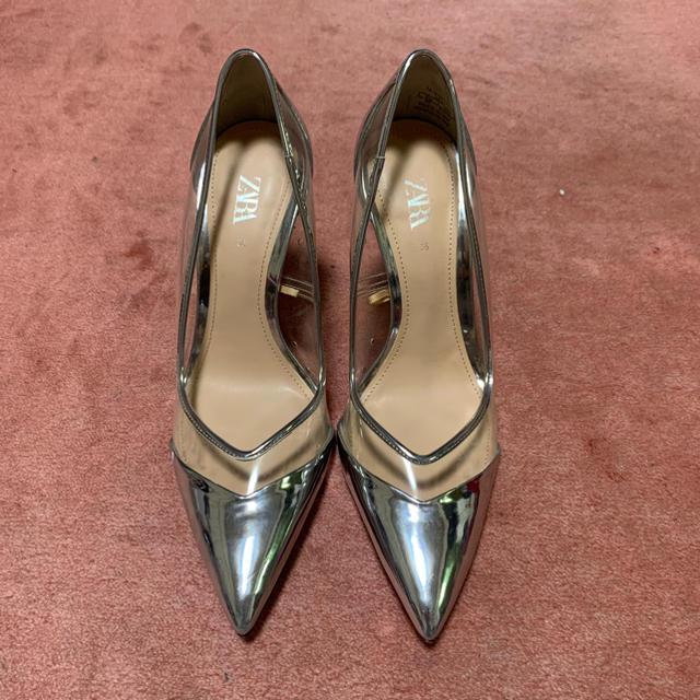 ZARA(ザラ)のザラ ZARA  シルバーパンプス レディースの靴/シューズ(ハイヒール/パンプス)の商品写真