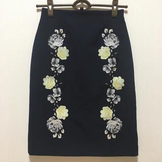 ココディール(COCO DEAL)のCOCO DEAL 素敵なお花刺繍デザインスカート  未使用(ひざ丈スカート)