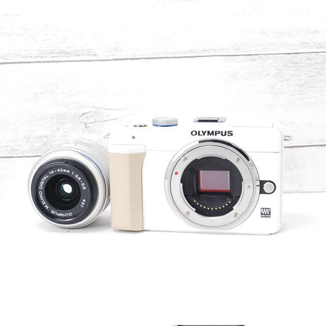 OLYMPUS(オリンパス)の❤️可愛いホワイト❤️スマホに転送❤️OLYMPUS E-PL1s スマホ/家電/カメラのカメラ(ミラーレス一眼)の商品写真