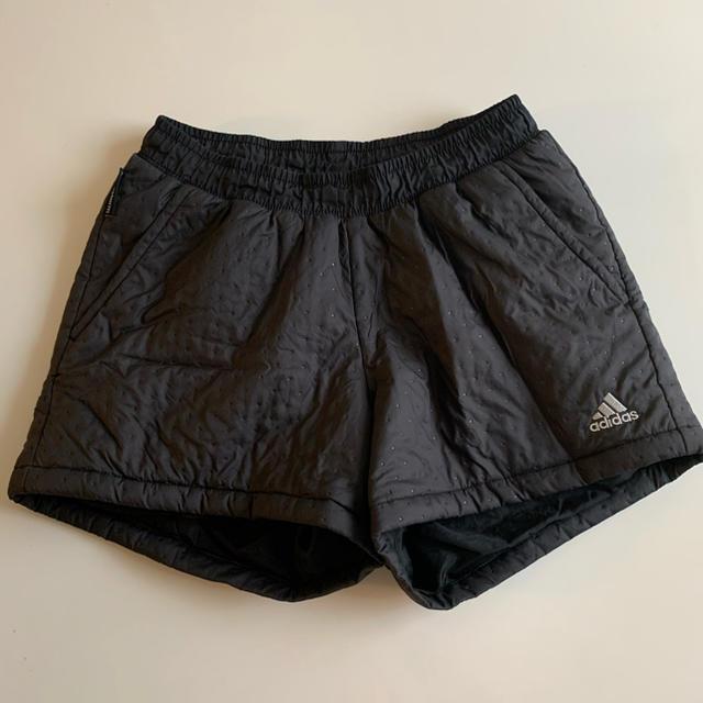 adidas(アディダス)のadidas テニスパンツ スポーツ/アウトドアのテニス(ウェア)の商品写真
