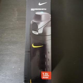 ナイキ(NIKE)の新品未使用☆ サーモス ナイキ NIKE ハイドレーションボトル 1L 特価にて(弁当用品)