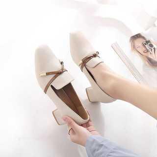 チャンキーヒール*パンプス*ガーリーファッション*新品*ベージュ(ローファー/革靴)