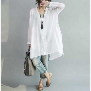 【新品】ゆったりロングシャツ ホワイト フリーサイズ(シャツ/ブラウス(長袖/七分))