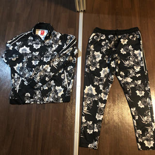 NIKE floral セットアップ