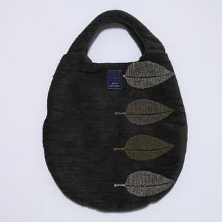 ミナペルホネン(mina perhonen)のミナペルホネン happa  エッグバッグ(ハンドバッグ)