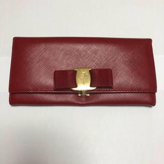 サルヴァトーレフェラガモ(Salvatore Ferragamo)のフェラガモ長財布(財布)