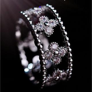 指輪 リング スワロフスキー 精巧デザイン 正統派 可愛い 金属アレルギー対応(リング(指輪))