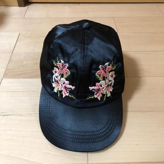 新品未使用 BROSS お花刺繍キャップ(キャップ)