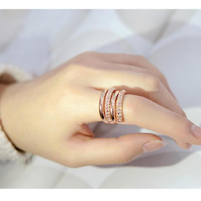 指輪 リング 2連 ファッション 2WAY スワロフスキー 金属アレルギー対応 レディースのアクセサリー(リング(指輪))の商品写真