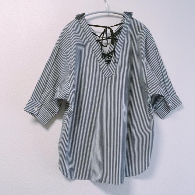 JEANASIS(ジーナシス)のJEANASIS バックレースアップシャツ レディースのトップス(シャツ/ブラウス(長袖/七分))の商品写真