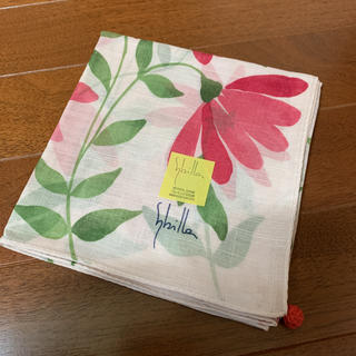 シビラ(Sybilla)の新品 シビラ ハンカチ  大判 花柄 ピンク系のお色(ハンカチ)