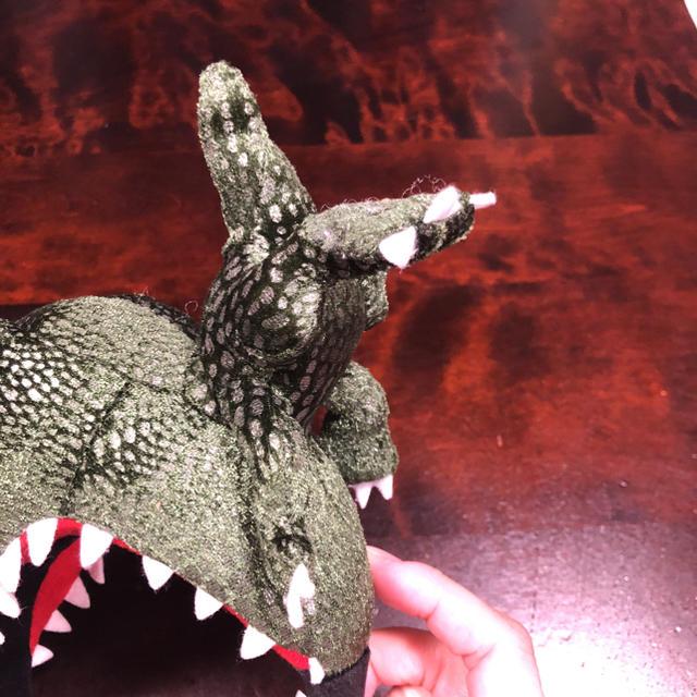 USJ(ユニバーサルスタジオジャパン)のUSJ ジュラシックパーク   恐竜カチューシャ エンタメ/ホビーのおもちゃ/ぬいぐるみ(キャラクターグッズ)の商品写真