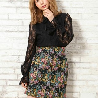 INGNI - 【新品タグ付き】ボタン花柄コブラン台形スカート!!【イング】