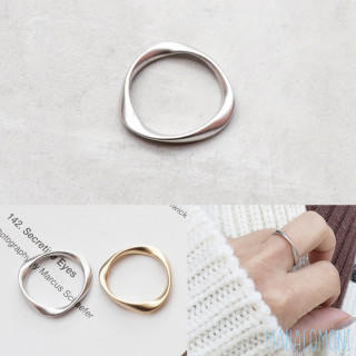 ねじれリング ヴィンテージ マット メタル かわいい 上品 カジュアル シルバー(リング(指輪))