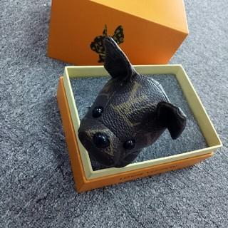 LOUIS VUITTON - 美品 ルイ・ヴィトン キーホルダー バッグ飾り、犬 Lv 贈りの物 ♪