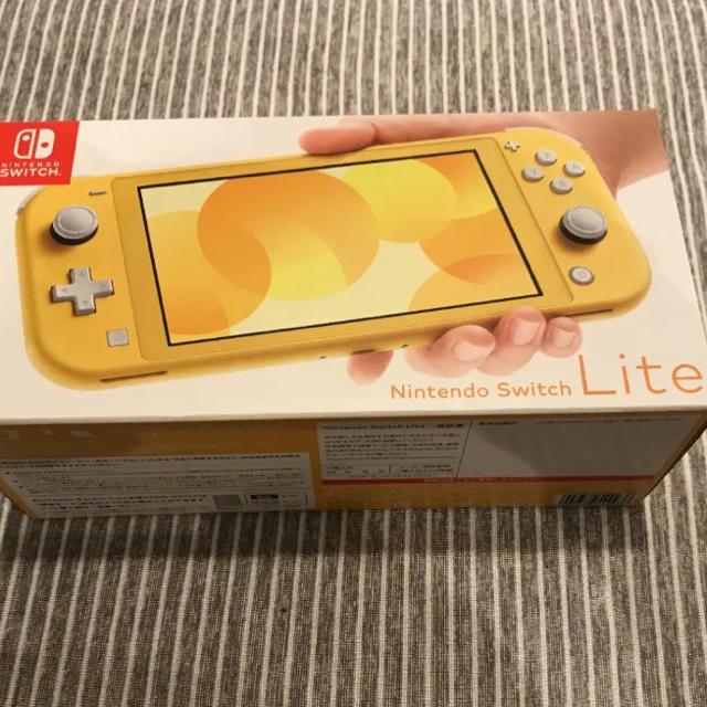 Nintendo Switch(ニンテンドースイッチ)のSwitch Lite  スイッチライト イエロー エンタメ/ホビーのゲームソフト/ゲーム機本体(家庭用ゲーム機本体)の商品写真