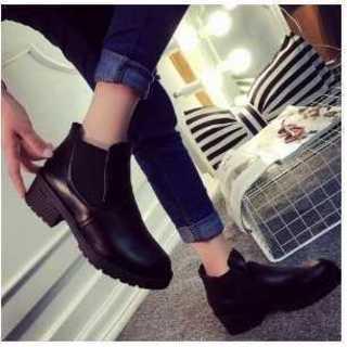 大人気 ブーツ レディース サイドゴア ショートブーツ  黒 23.5cm(ブーツ)
