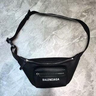Balenciaga - balenciaga ウエストポーチ ウエストバッグ mini ボディーバッグ