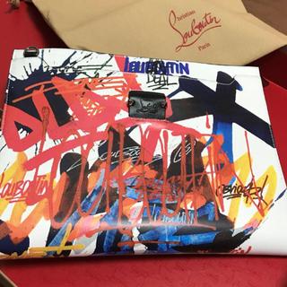 クリスチャンルブタン(Christian Louboutin)の直営店買付品 大人気 ルブタン Skypouch Pouch(トートバッグ)