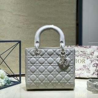 Dior - ブランド品は牛革のハンドバッグが多いです。