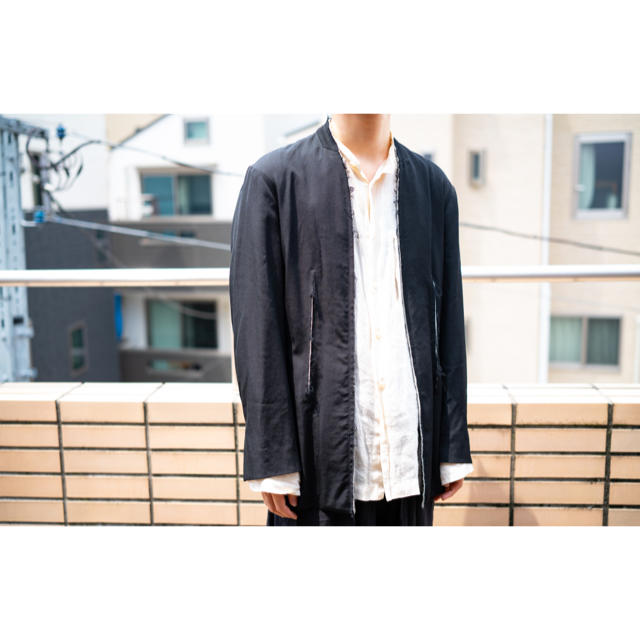 Yohji Yamamoto(ヨウジヤマモト)のB Yohji Yamamoto ノーカラー カットオフ ジャケット 黒 メンズのジャケット/アウター(テーラードジャケット)の商品写真
