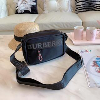 BURBERRY - ショルダーバッグ
