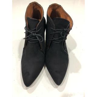 ザラ(ZARA)のZARAwomanレディースショートブーツ ザラ23cmスウェード黒(ブーツ)
