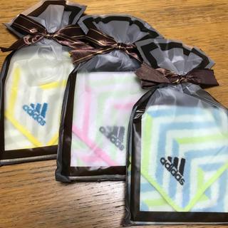 adidas - adidas☆タオルハンカチ 3枚セット