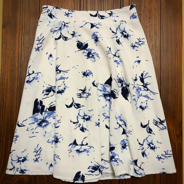INGNI(イング)の今月まで受付!INGNI 花柄スカート 膝丈 レディースのスカート(ひざ丈スカート)の商品写真