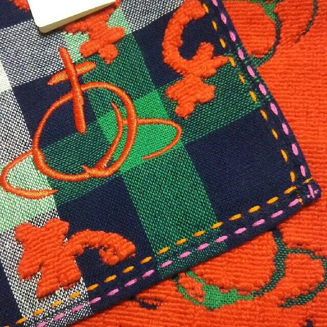 Vivienne Westwood(ヴィヴィアンウエストウッド)のVivienne Westwood☆大判タオルハンカチ レディースのファッション小物(ハンカチ)の商品写真